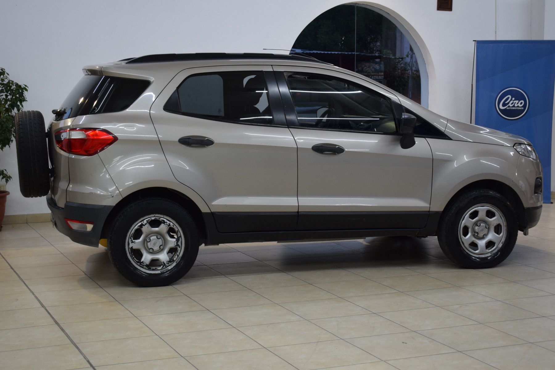 Ford ECO SPORT 1.6 SE              L 13  4
