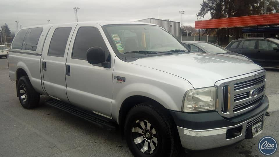 Ford F100 doble cabina 2010 11