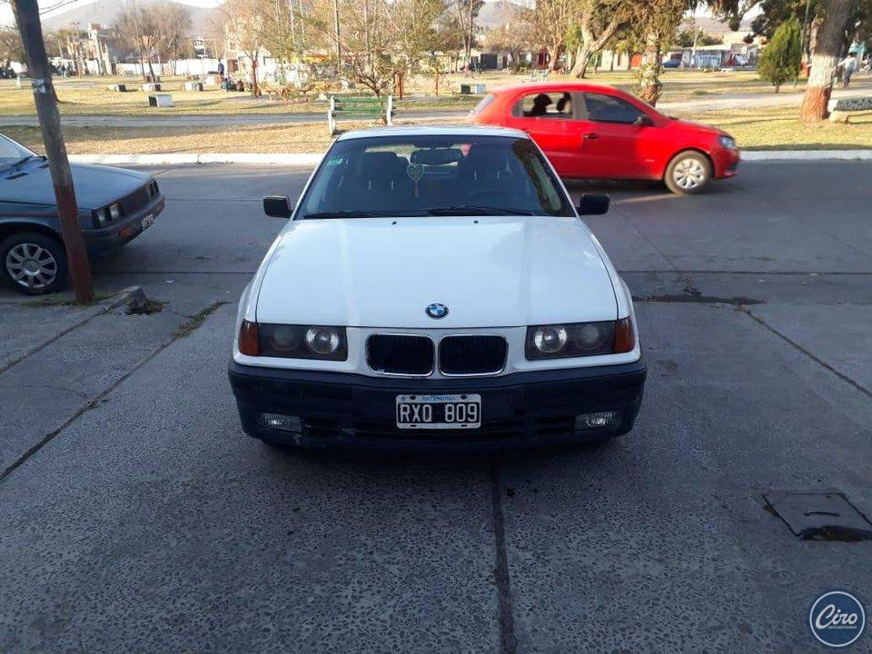 1994 BMW 318 is 3