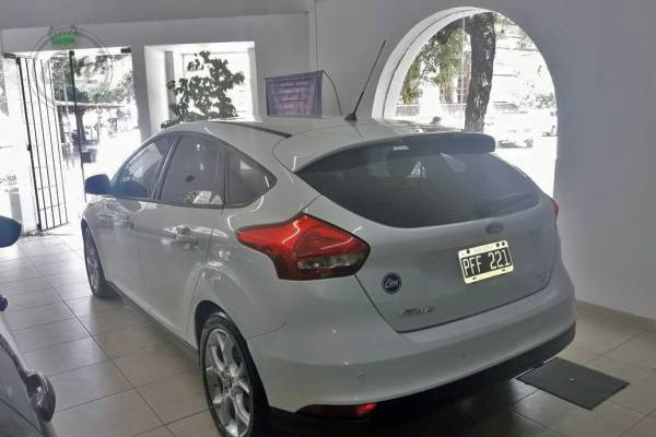 Ford FOCUS SE PLUS POWER 3