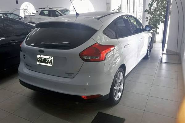 Ford FOCUS SE PLUS POWER 4